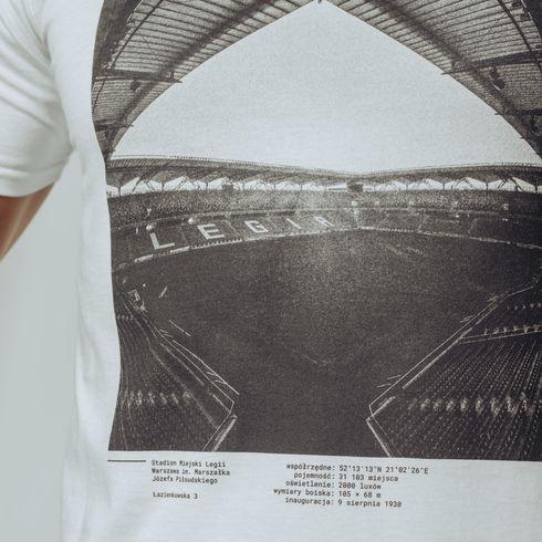 Biała koszulka stadion