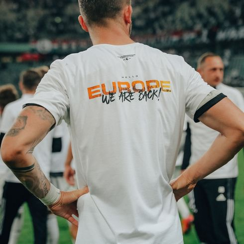 Biała koszulka Europe - We are back!
